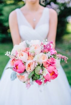 Beautiful #bride #flowers | Photo by: Rachel May on Southern Weddings via Lover.ly