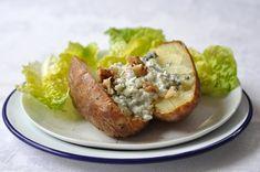 Pommes de terre au four cottage cheese, roquefort et noix