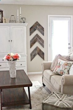 Best Country Decor Ideas - Chic and Simple Reclaimed Wood Wall Chevrons - Rustic Farmhouse Decor Tutorials and Easy Vintage Shabby Chic Home Decor f .. #simplerustichome