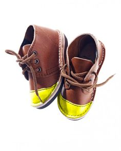 Love, love, these!  Such cute shoes for your little boy or girl!  Neon Yellow Toe Cap Mini
