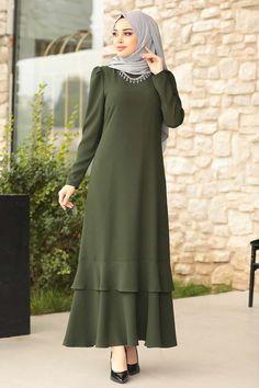 Hijab Evening Dress, Green Evening Dress, Evening Dresses, Abaya Fashion, Modest Fashion, Fashion Dresses, Abaya Designs, Abaya Mode, Hijab Stile