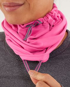 brisk run neck warmer | women's run accessories | lululemon athletica