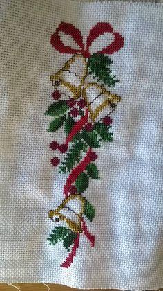 Small Cross Stitch, Cross Stitch Tree, Just Cross Stitch, Cross Stitch Heart, Cross Stitch Borders, Cross Stitch Flowers, Cross Stitch Designs, Cross Stitching, Cross Stitch Embroidery
