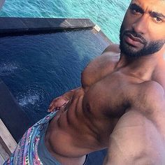 Omarion sexy abs