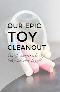 Do you ever get overwhelmed at how many toys your kids have? Do they struggle to put them away, or perhaps don't know what to play with first? Here's how to get rid of toys, declutter and minimise your kids' stuff without upsetting them. Getting Rid Of Clutter, Getting Organized, Minimalism For Kids, Craft Stick Crafts, Crafts For Kids, Toy Room Organization, Practical Parenting, Parenting Tips, How To Get Rid