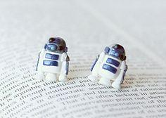 Hermosos aretes de R2-D2, C-3PO y Darth Vader
