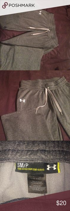 Grey Under Armour sweatpants Small dark grey Under Armour sweatpants. Under Armour Pants Boot Cut & Flare