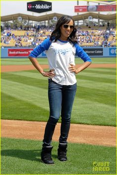 kerry washington at la dogers game  | Fashionable Women / Kerry Washington
