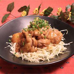 「キャベツと食べたい照焼きチキン」の作り方を簡単で分かりやすい料理動画で紹介しています。ぷりぷりとしたもも肉でこってりとした味が、白いご飯と良く合います!お弁当のおかずとして入れても腹持ちするはず。キャベツをもりもり食べる前提なので味が少し濃いめになっています。ご飯にのせて丼にしてもお勧めなのでぜひお試しください!
