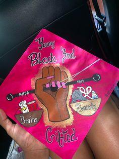 Follow me: slimkouture 🖤 Funny Graduation Caps, Graduation Cap Toppers, Graduation Cap Designs, Graduation Cap Decoration, Graduation Diy, Grad Cap, High School Graduation, Graduation Parties, Girl Graduation Pictures