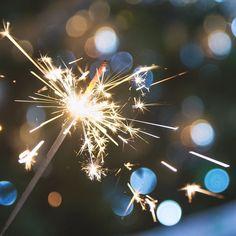 Gracias a todos por estar ahí durante este año  vuestro apoyo ha sumado 98.116  e incontables comentarios. Cada uno de ellos significa un montón!  Os deseo un nuevo año lleno de sonrisas y de momentos memorables. Feliz 2018!!  . . Y si os apetece probar cosas nuevas recordad que este año @nucky_dana y yo organizamos un #52WeekPhotoChallenge que empieza con fotos de celebración (más detalles en el link en la bio!). Que empiece #drucky52!