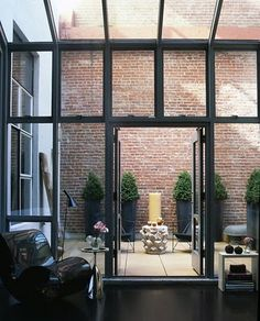 Steven Volpe's 1916 San Francisco loft The Loft, Outdoor Spaces, Outdoor Living, Outdoor Decor, Structure Metal, Courtyard House, Top Interior Designers, City Living, Home And Deco