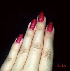 Red/sparkle nails