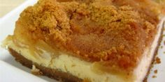 Applepie AND cheesecake in one ! Must be heaven ! Greek Sweets, Greek Desserts, Fun Desserts, Sweet Recipes, Cake Recipes, Dessert Recipes, Food Network Recipes, Cooking Recipes, Healthy Sweets