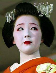 How to do geisha make-up