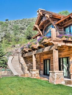 Rustic Exterior Design Ideas, Pictures, Remodel and Decor Chalet House, Rustic Home Design, Rustic Homes, Rustic Houses Exterior, Log Cabin Homes, Log Cabins, Mountain Cabins, House In The Woods, Architecture