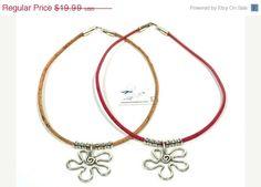 SALE Lovely Cork Necklace with Zamak Flower * flower shape necklace * cork necklace * statement necklace * cork jewelry * pink necklace #etsy #silverjewelry