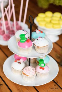 Alice in Wonderland birthday party cupcakes! See more party ideas at CatchMyParty.com!