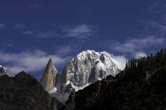 Lady Finger (6,000m'trs) left, and Ulta 1 (6.885 m'trs) right in the Hunza Valley  Northern Pakistan.