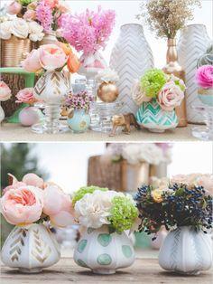 tiny painted vases #goldweddingideas  #eclecticwedding #weddingchicks http://www.weddingchicks.com/2013/12/23/elcectic-gold-wedding-ideas/