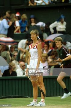 USA Chris Evert during match at All England Club. ) Get premium, high resolution news photos at Getty Images Tennis Players Female, London Clubs, Sports Stars, Wimbledon, London England, Athlete, Fitness, Entertainment, Girls