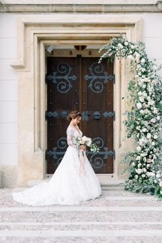 This ultra romantic chateau wedding in the Czech Republic is like something from a fairytale in shades of mauve and dusty rose! Wedding Vendors, Wedding Ceremony, Princess Bridal, Love Photography, Wedding Photography, Wedding Day Timeline, Bridesmaid Robes, Bridal Portraits, Destination Wedding Photographer
