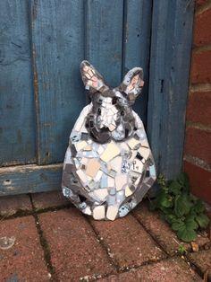 Pet Memorial Gifts, Mosaic Animals, British Wildlife, Mosaic Diy, Broken China, Pet Memorials, Pet Portraits, Garden Art, Diy And Crafts