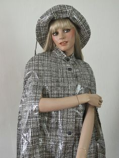 60s 70s vintage rain Cape  Hat  handbag cloak S 36 set MoD Twiggy vinyl rain poncho jacket hippie VTG plastic black and white abstract Karo (115.00 EUR) by jolyyy