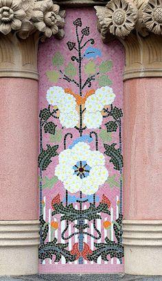 Barcelona - Pg. de Gràcia 035 i 3   Flickr - Photo Sharing!