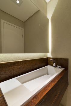 Projeto ANNA PARISI Arquitetura+Design #banheiro #bathroom #lavabo #decor #decoração #interiores #decoraçãodeinteriores #designdeinteriores #decorhome #decorstyle #style  #apartamento #interiordesign #details #mosaico #lpastilha #metálico #portobello