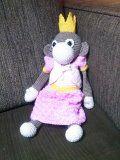 "Aap Sophia lengte ongeveer 25 cm. uit boekje ""Kleine knuffels en aapjes haken"". Phildare katoen haaknaald 2,5. Kleding apart gehaakt."