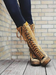 Because we love you 25% off Weather Boots Only This Weekend!