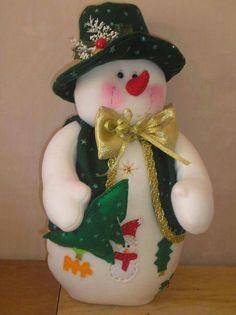 Christmas Makes, Christmas Snowman, Xmas, Christmas Ornaments, Holiday Crafts, Holiday Decor, Snowman Crafts, Fabric Dolls, Christmas Traditions