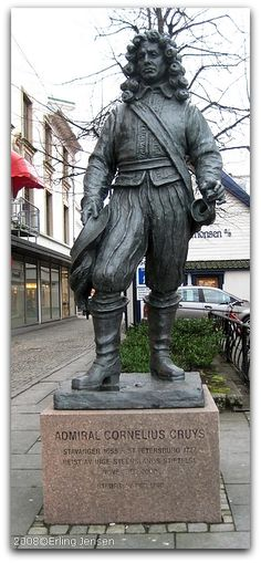 Cornelius Cruys  2000. Sted: Bispebryggen/Jorenholmen. Kunstner: Per Ung. Bekostet av: Inge Steensland Stiftelsen