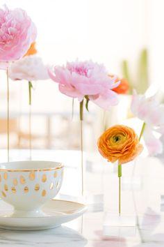 DIY Floating Flower Table Display
