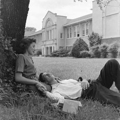 That Thing Called Love – 35 Romantic Photos of Couples From Between the and ~ vintage everyday That Thing Called Love – 35 romantische Fotos von Paaren aus den bis Jahren – Jahrgang täglich Couples Vintage, Cute Couples, Young Couples, Romantic Couples, Vintage Romance, Vintage Love, Vintage Kiss, Vintage Black, Photo Couple