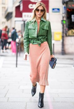 Green and pink is my new favorite color combination – especially when paired with a navy bag and solid boots for a complete color-blocked look! x