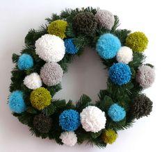 DIY couronne de Noel pompons porte entree Blog Bee Made