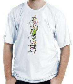 Camiseta ilustrada com três pererecas enroladas entre as letras da palavra biologia.