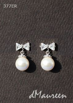377ER WHITE PEARLS / White Gold Earrings by dMaureenVastine