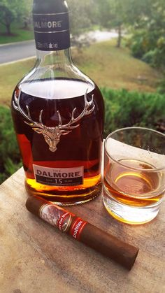 The Dalmore 15 Year Aged Highland Single Malt Scotch Whisky & Pappy Van Winkle Tradition Cigar Good Whiskey, Cigars And Whiskey, Scotch Whiskey, Bourbon Whiskey, Dalmore Whisky, Cabernet Sauvignon, Fun Drinks, Alcoholic Drinks, Coffee With Alcohol