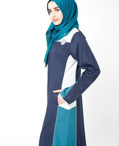 A cute color block and sporty Jilbab suited for your everyday casual wear Abaya Fashion, Muslim Fashion, Sports Hijab, Modern Hijab, Abayas, Muslim Women, Sport Fashion, Street Style Women, Designing Women