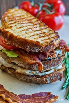 Grilled Chicken Club with Rosemary Aioli. Want to make the aioli at least. Think Food, I Love Food, Good Food, Yummy Food, Sandwich Day, Soup And Sandwich, Club Sandwich Recipes, Chicken Sandwich, Grilled Sandwich