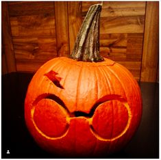 24 Last-Minute Magical Harry Potter Pumpkin Ideas 24 Last-Minute Magical Harry Potter Pumpkin Ideas Stem as wizard hat The post 24 Last-Minute Magical Harry Potter Pumpkin Ideas appeared first on Halloween Pumpkins. Harry Potter Pumpkin Carving, Disney Pumpkin Carving, Amazing Pumpkin Carving, Pumpkin Carving Templates, Fun Pumpkin Carving Ideas, Carving Pumpkins, Pumkin Carving Easy, Starwars Pumpkin Carving, Pumpkin Carving With Drill
