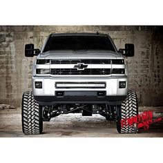 jacked up big trucks Lowered Trucks, Old Pickup Trucks, Lifted Chevy Trucks, Dodge Trucks, Chevrolet Trucks, Chevrolet Silverado, Chevy Duramax, Chevy 4x4, Range Rover