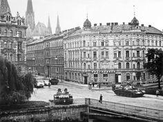 Valencia, Nostalgia, Czech Republic, Prague, Louvre, Street View, Building, Travel, Street