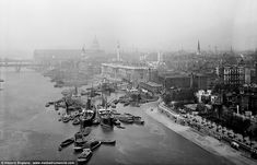 The Pool of London, which stretches from London Bridge to Limehouse, is seen from Tower Bridge. Here, boats are seen lined up as they wait for their imported cargo to be inspected and assessed by customs officers City Of London, Old London, Vintage London, London Bridge, Skyline Von London, Paris Skyline, London Pictures, Old Pictures, London Photos