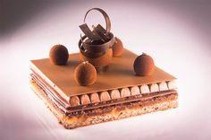 DHARA DHEVI CAKE SHOP Chiangmai Thailand.