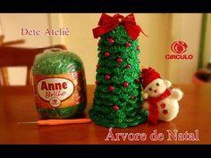 Árvore de Natal em Crochê - YouTube Crochet Christmas Decorations, Christmas Ornaments, Doilies, Decorative Items, Christmas Time, Holiday Decor, Floral, Fun, Crafts