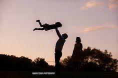 Fun sunset family photo - Amara Cohen Photography